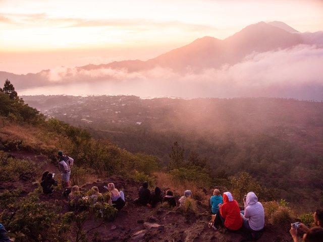Lever de soleil sur la montagne